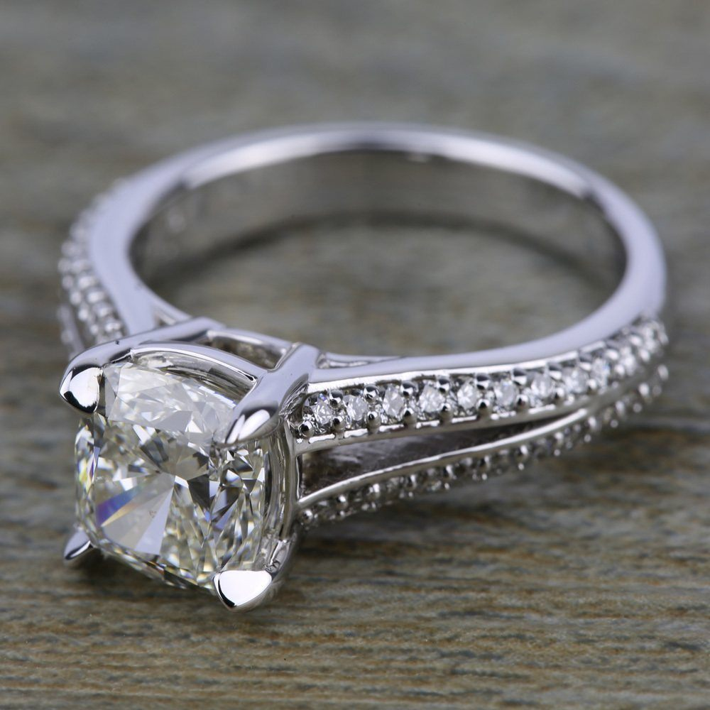 Product feature split shank diamond engagement ring in for Split shank engagement ring with wedding band
