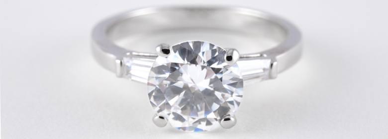 Oval Diamond Ring in Platinum