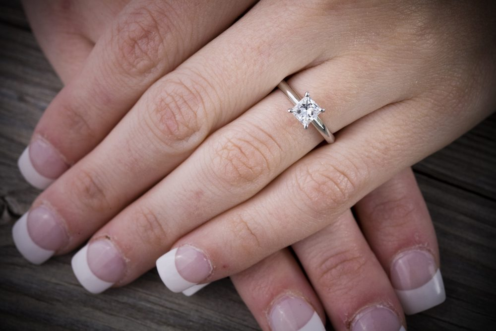 Nice wedding rings for small fingers
