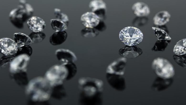 Eyepiece to Look at Diamonds