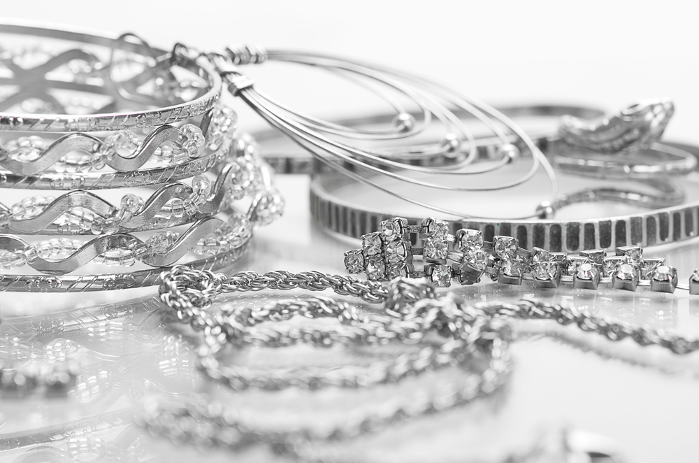 silver-jewelry-on-the-table