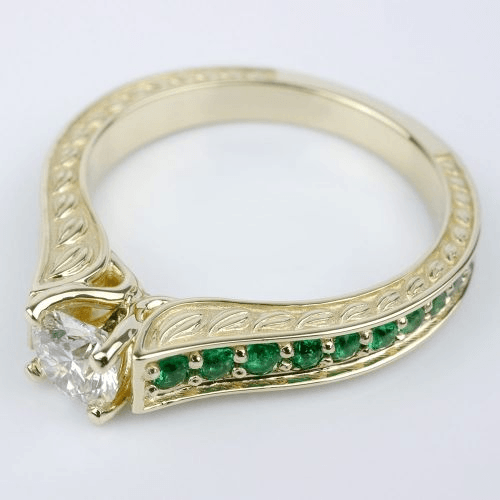 Antique Emerald Gemstone Ring