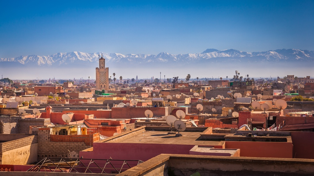 panoramic-view-of-marrakesh-and-the-snow-capped-atlas-mountains-morocco