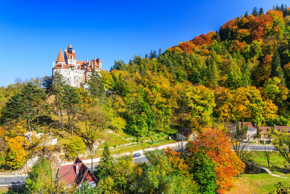 transylvania-romania-the-medieval-castle-of-bran-known-for-the-myth-of-dracula