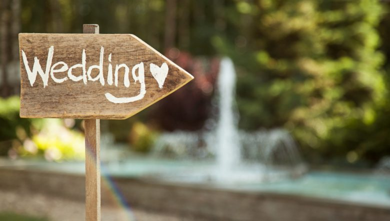 wedding-decor-wooden-plaque-with-the-inscription-wedding