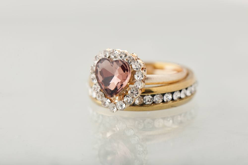 after ring a engagement shaped and rings romance bad pav prongs set all heart pink gold band pin diamond with not rose such messika