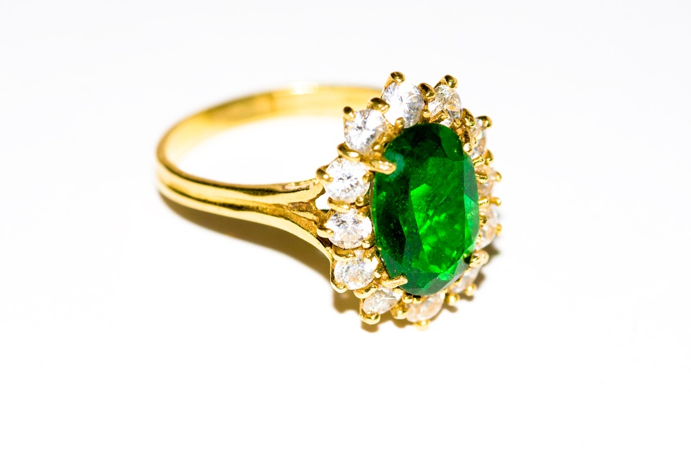 round-cut emerald gems