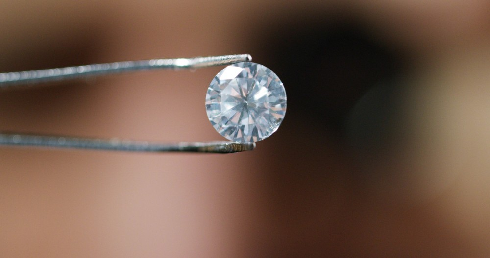 Die günstigsten Diamant-Verlobungsringe können überhaupt keine Diamanten sein