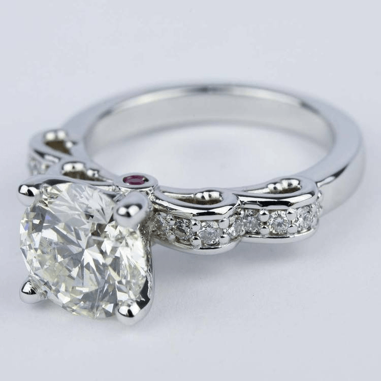 Cute Engagement Ring Ideas For A Holiday Proposal