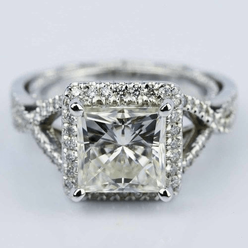 moissanite engagment ring