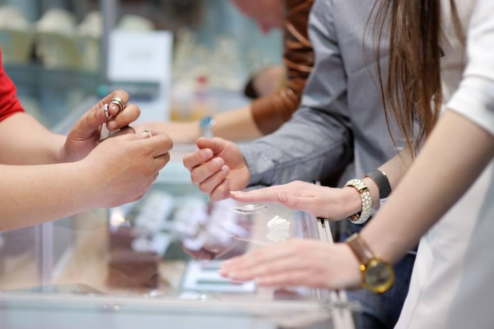 Wann ist die beste Zeit, um einen Verlobungsring zu kaufen?