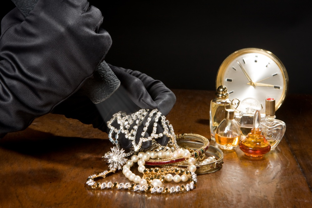 How to Keep Jewelry Safe at Home