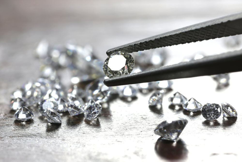 Difference Between Cubic Zirconia vs. Diamonds
